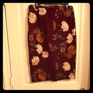 Embroidered burgundy skirt